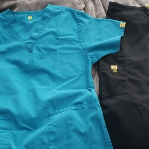 Wonderwink scrubs teal and black Small tall
